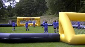 Oppustelig fodboldbane